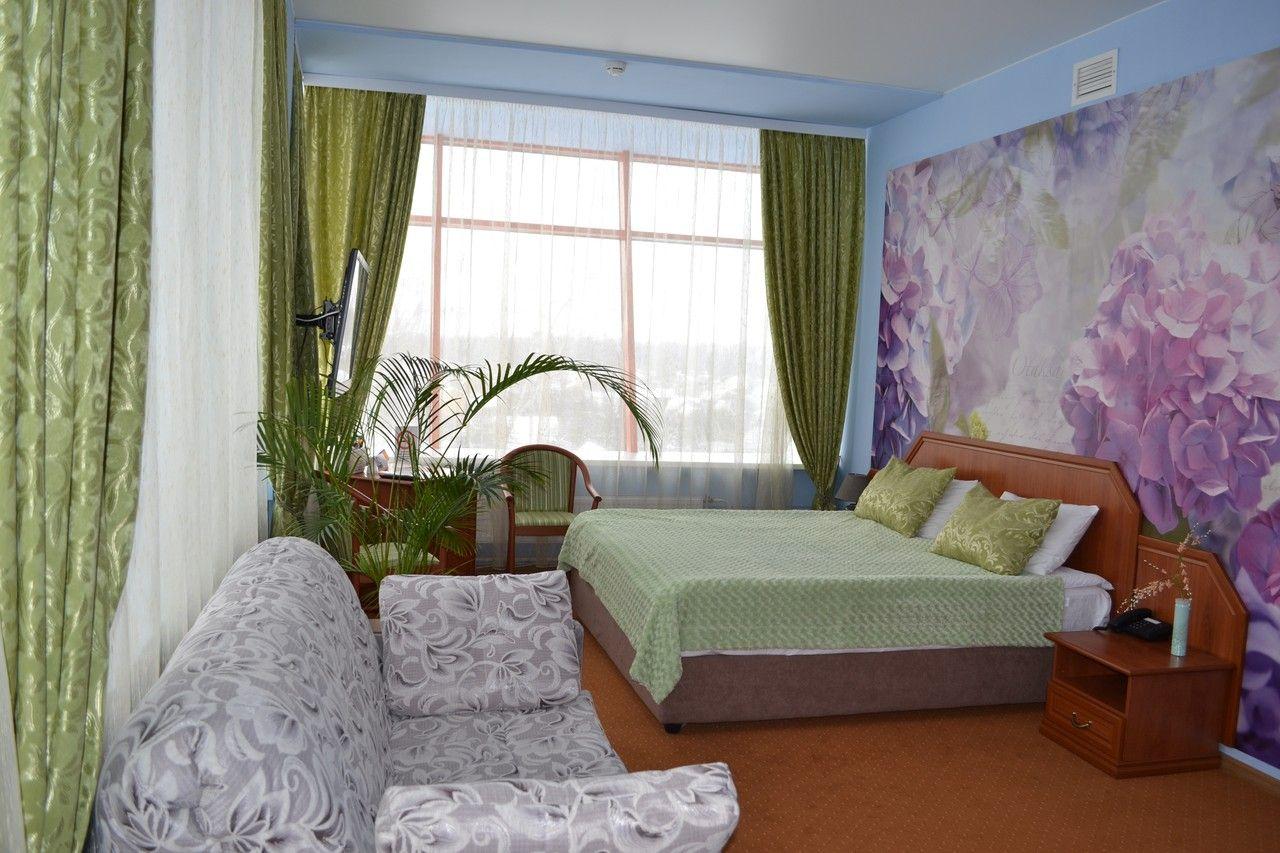 Стоимость проживания зависит от выбранного отеля и категории номеров